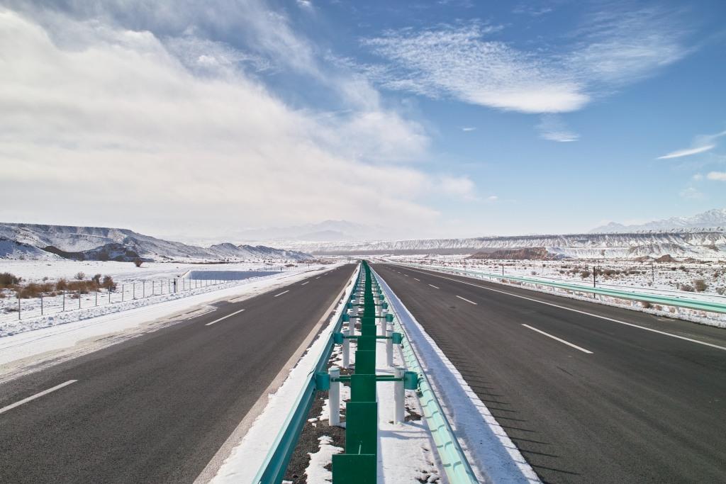 Menschenleere Autobahn